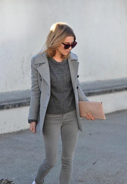 looks color gris