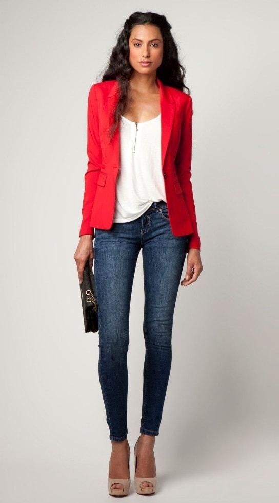 تیپ قرمز با شلوار جین