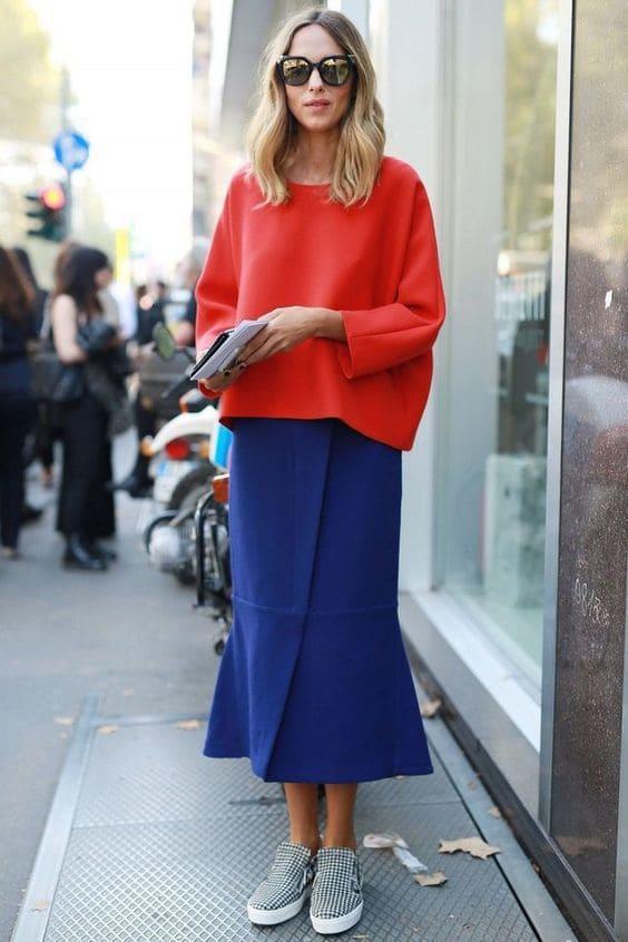 combinar azul outfits